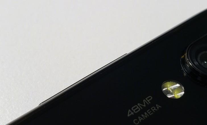 Telefon von Xiaomi ist möglicherweise ein Redmi mit einem Loch im Display für die Selfie-Kamera