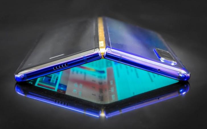 Samsung Galaxy Fold 2 soll nicht mehr als 1.000 US-Dollar kosten, ein Clamshell-Design übernehmen